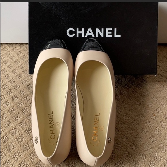 ✨SOLD ON TR✨CHANEL Classic Flats